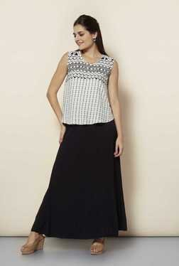 109 F Black Solid Casual Skirt