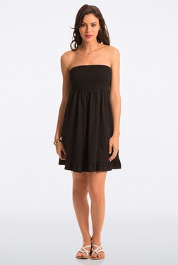 PrettySecrets Black Solid Strapless Dress