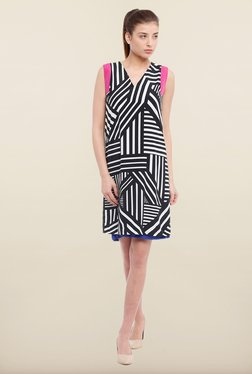 Avirate Black Printed Casual Shift Dress