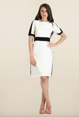 Avirate White Solid Short Sleeves Shift Dress