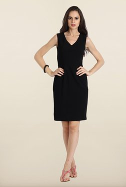 Avirate Black Solid V Neck Shift Dress