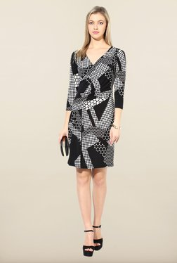 Avirate Black Printed V Neck Shift Dress