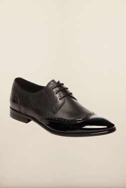 Step up: The biggest men's shoes sale low price image 1