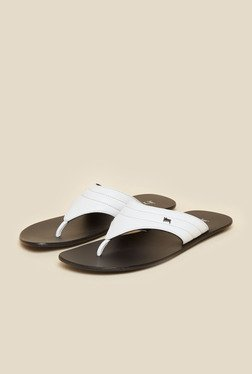 Signature by Mochi White Leather Thong Sandals