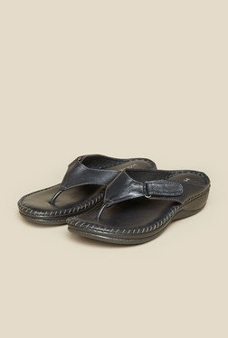 Mochi Gun Metal Leather Thong Sandals
