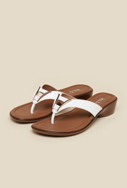 Inc.5 White Flat Thongs
