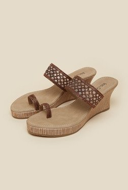 Inc.5 Bronze Toe Ring Wedge Sandals