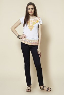 Zudio White Floral Printed Round Neck Top