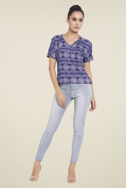Globus Blue Printed V Neck Top