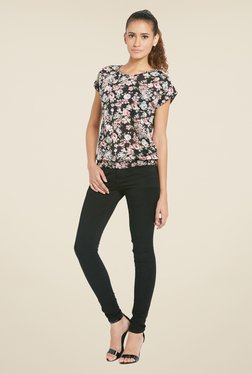Globus Black Round Neck Floral Printed Top
