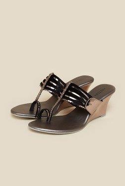 Metro Black Toe Ring Wedge Sandal
