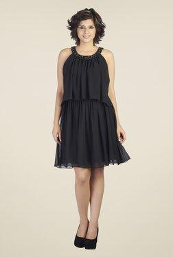 Soie Black Solid Round Neck Dress