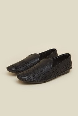 Metro Black Slip-On Leather Shoes