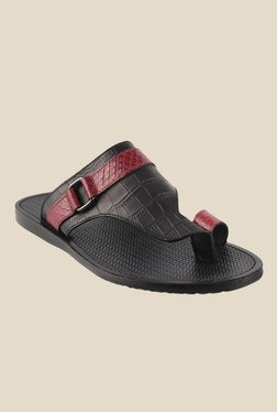 J. Fontini By Mochi Black & Maroon Toe Ring Sandals