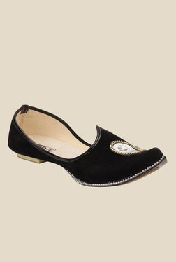 Yepme Black Jutti Shoes