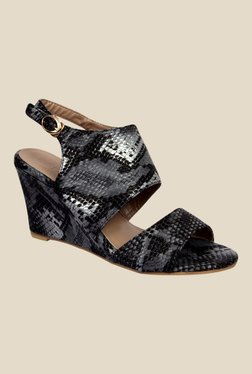 Notion Kimberly Black Back Strap Wedges