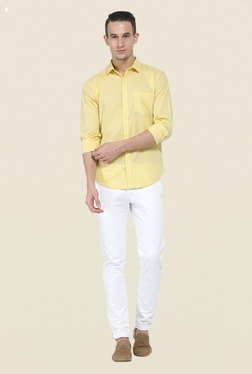 Basics White Solid Elastane Tapered Fit Chinos