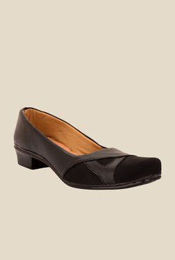 Solester Black Casual Pumps