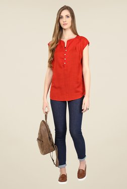 109 F Red Textured Cap Sleeve Top