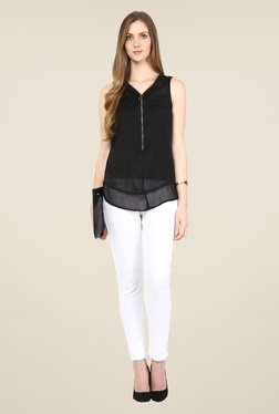 109 F Black Solid V Neck Top