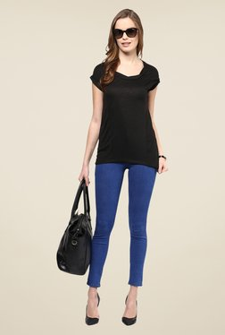 109 F Black Solid Round Neck Top