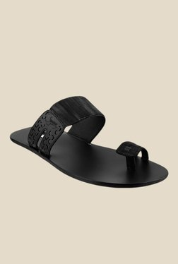 Signature by Metro Black Toe Ring Sandals