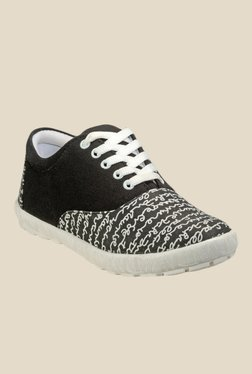 Juan David Black & White Sneakers