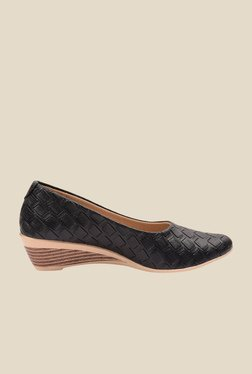 Ozuri Black Wedge Heeled Pumps