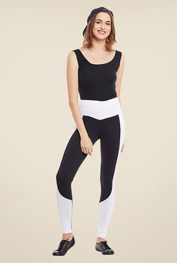 Yepme Perry Black & White Solid Leggings