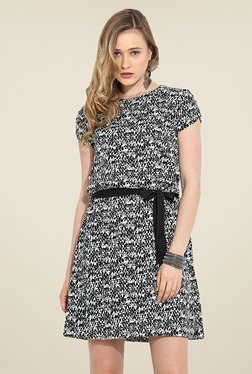 Trend Arrest Black & White Printed Dress