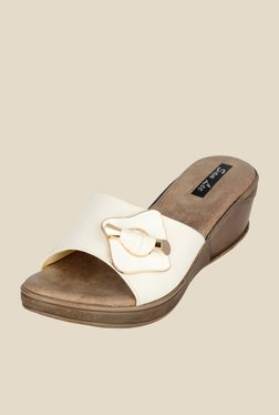 San Lee Off-White Wedge Heeled Sandals
