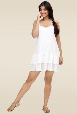 Loco En Cabeza White Sleeveless Tiered Short Dress