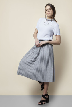New Look Grey Textured Pleated Skirt