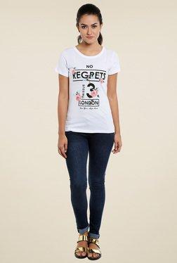 Loco En Cabeza White Round Neck Regular Fit T-Shirt