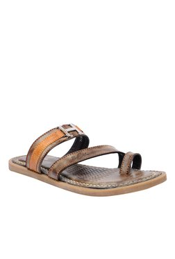 BCK By Buckaroo Celso Brown Toe Ring Sandals