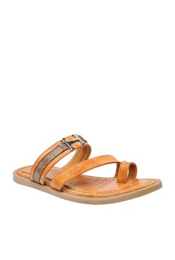 BCK By Buckaroo Celso Tan Toe Ring Sandals
