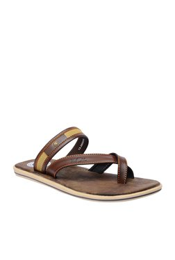 BCK By Buckaroo Carl Brown Toe Ring Sandals