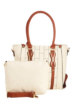 Vero Couture Off-White Stitched Shoulder Bag With Pouch