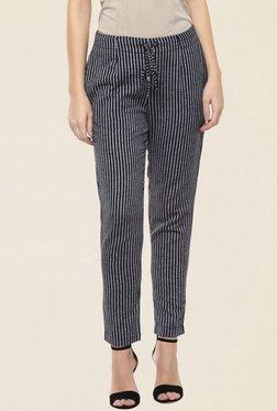 109 F Black Striped Pant