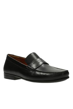 0bf5f449 Clarks | Upto 60% OFF On Clarks Shoes Online At TATA CLiQ