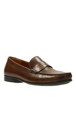 06606ab28ba9 Clarks | Upto 60% OFF On Clarks Shoes Online At TATA CLiQ