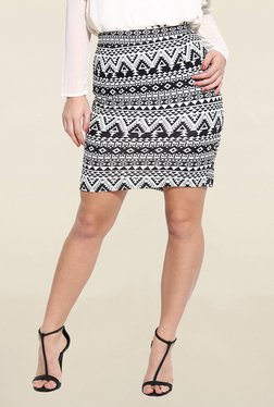 Campus Sutra Black & White Printed Pencil Skirt