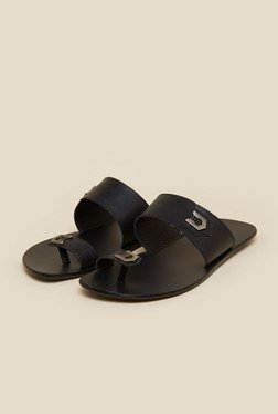 Signature By Metro Black Leather Sandals