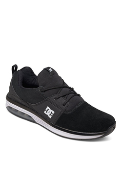 7b1bdb22075 DC Heathrow IA Black Training Shoes