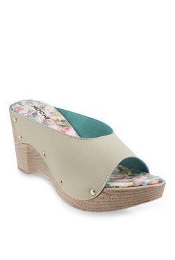 Mochi Off-White Wedge Heeled Sandals