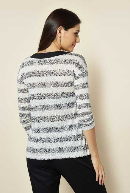 109 F White Printed Top