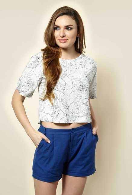109 F White Leaf Print Top