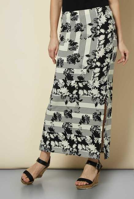 109 F Black Floral Casual Skirt