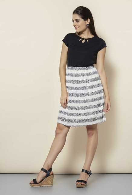 109 F Black Pin Stripes Casual Dress