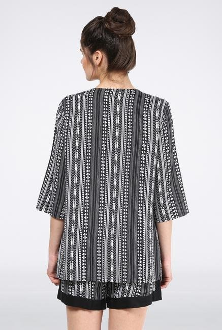 Femella Black Printed Cape